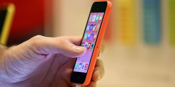 Apple could finally launch the iPhone 6C in April next year