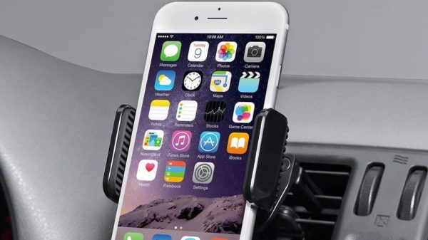 Channel your inner Uber driver with this car mount for your smartphone