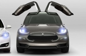 TeslaX_front_gullwing_920px_cropped-300x196