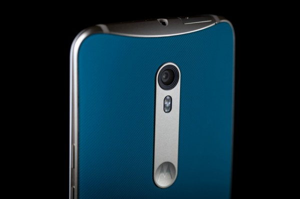 motorola-moto-x-pure-back-camera-angle-640x640