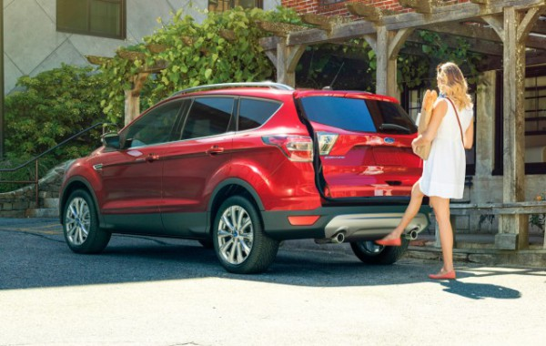 Ford caves, offers OnStar-like embedded cellular Sync Connect in 2017 Escape