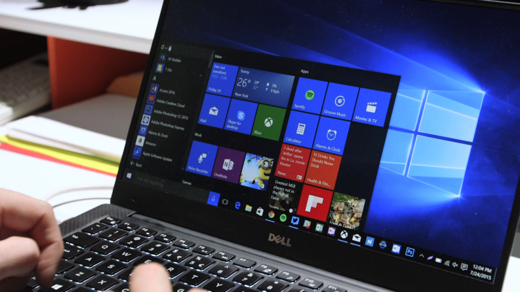 Windows 10 hasn't stopped the PC sales decline yet
